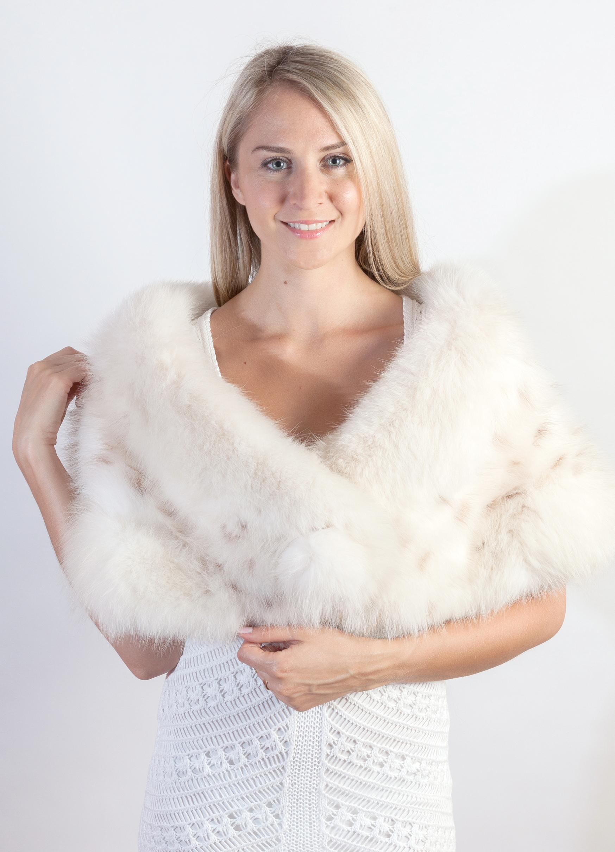 La stola in pelliccia naturale per spose e matrimoni 344a556459b3